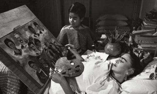 Frida-Kahloinbed